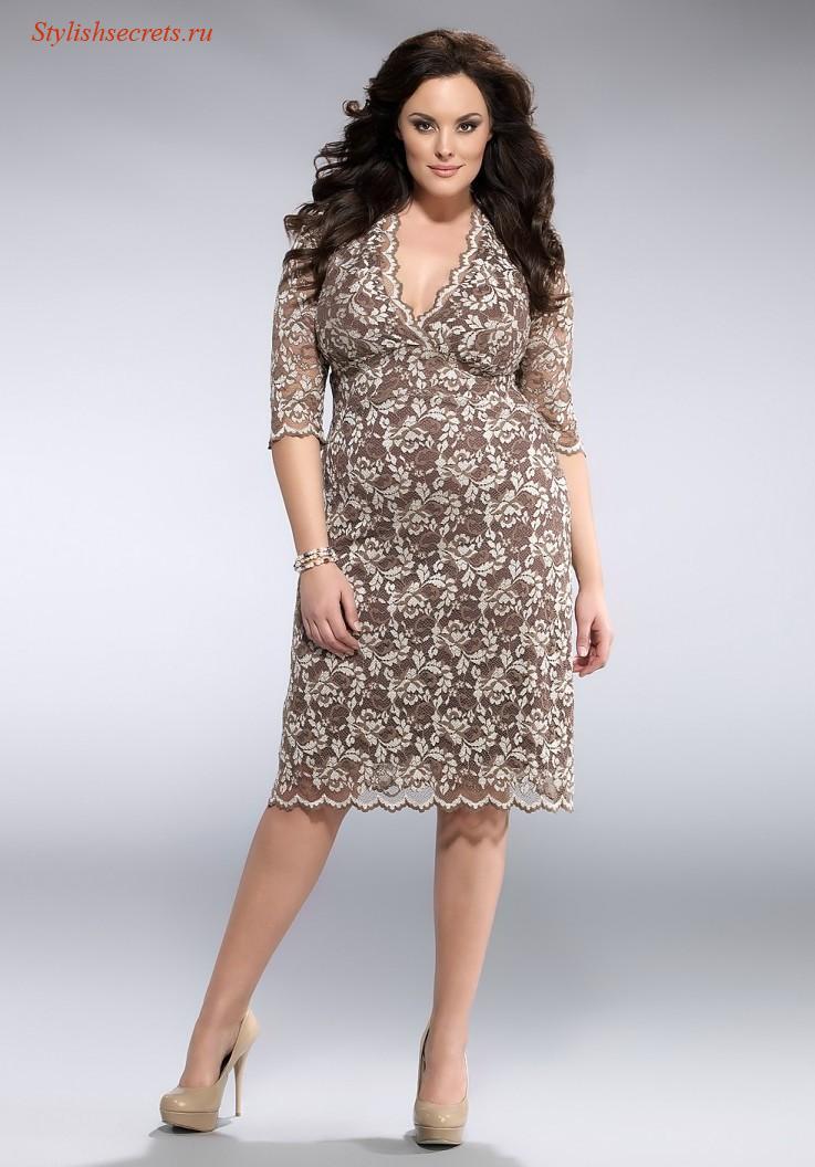 Кружевное платье для полных женщин